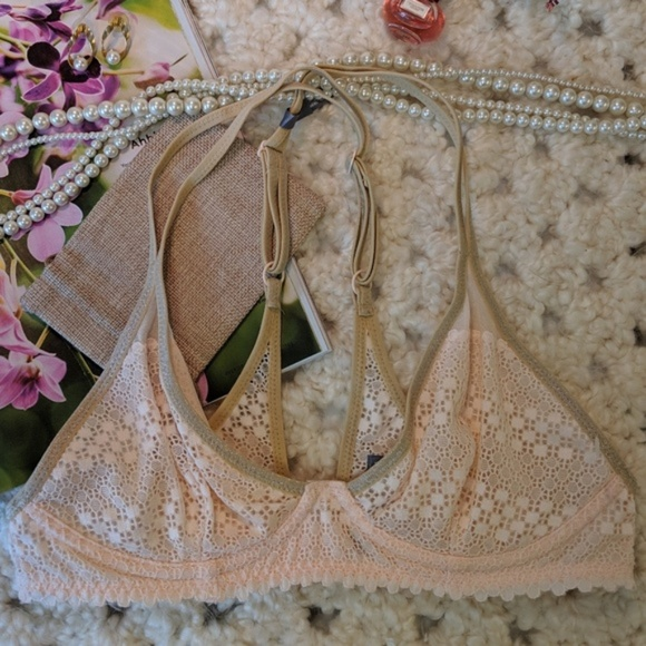 82dca7b960a NWT aerie lace unlined triangle bra 34B